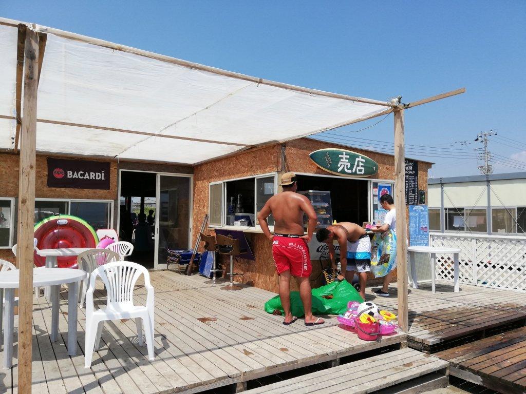 海の家「海友」足洗い場
