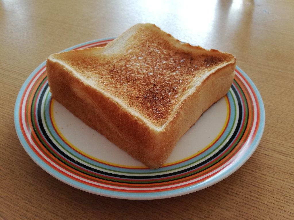 神戸屋の食パン「絹」を焼いた