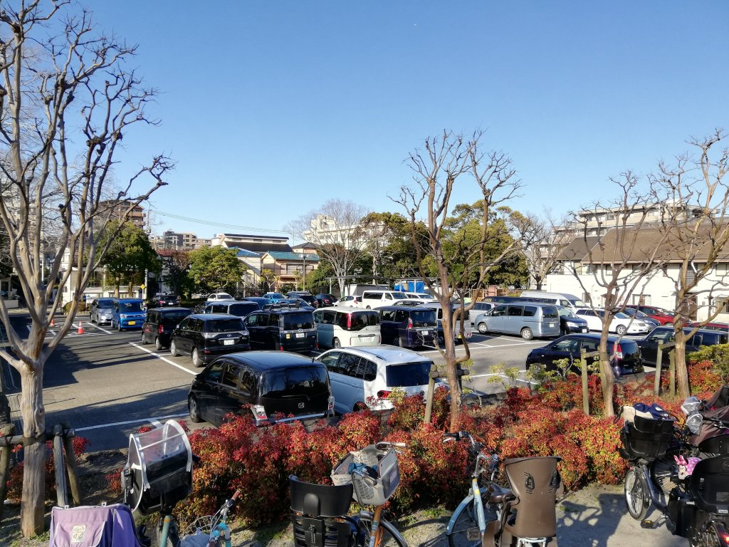 江戸川区葛西の富士公園の駐車場