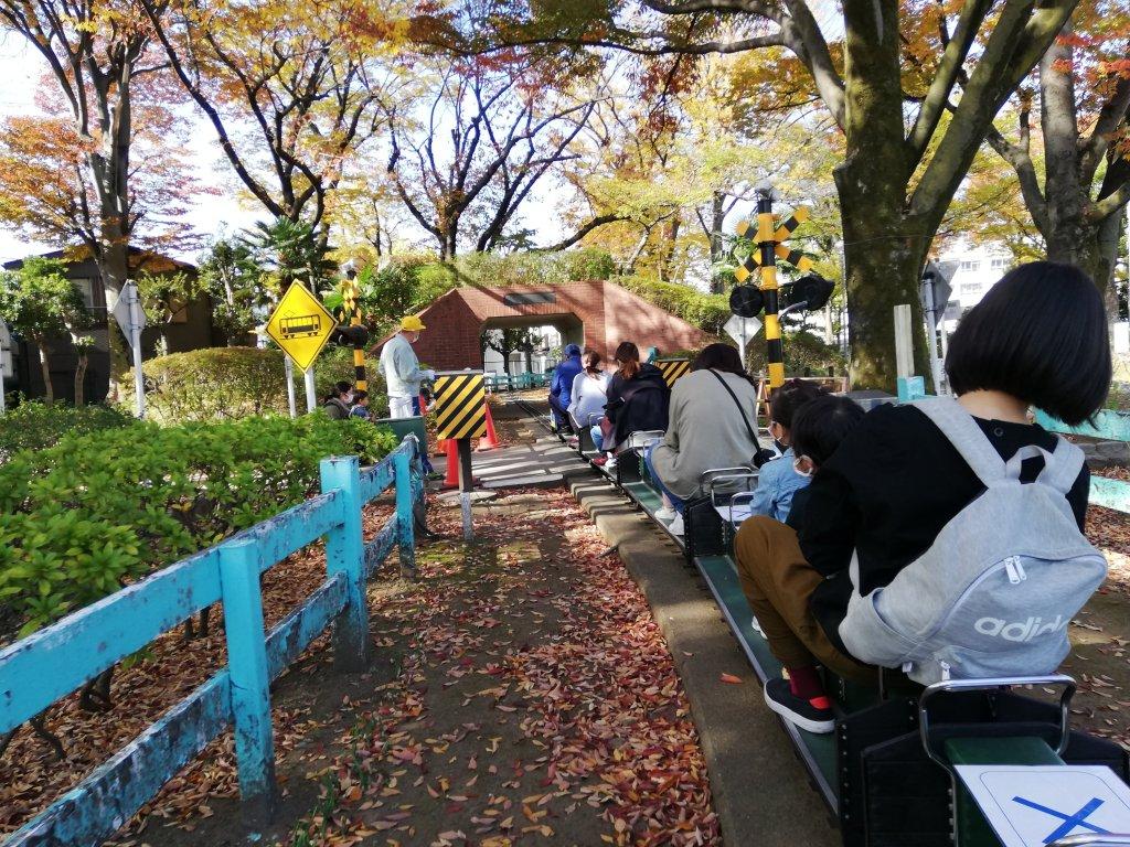 新宿交通公園のミニSLから見える景色