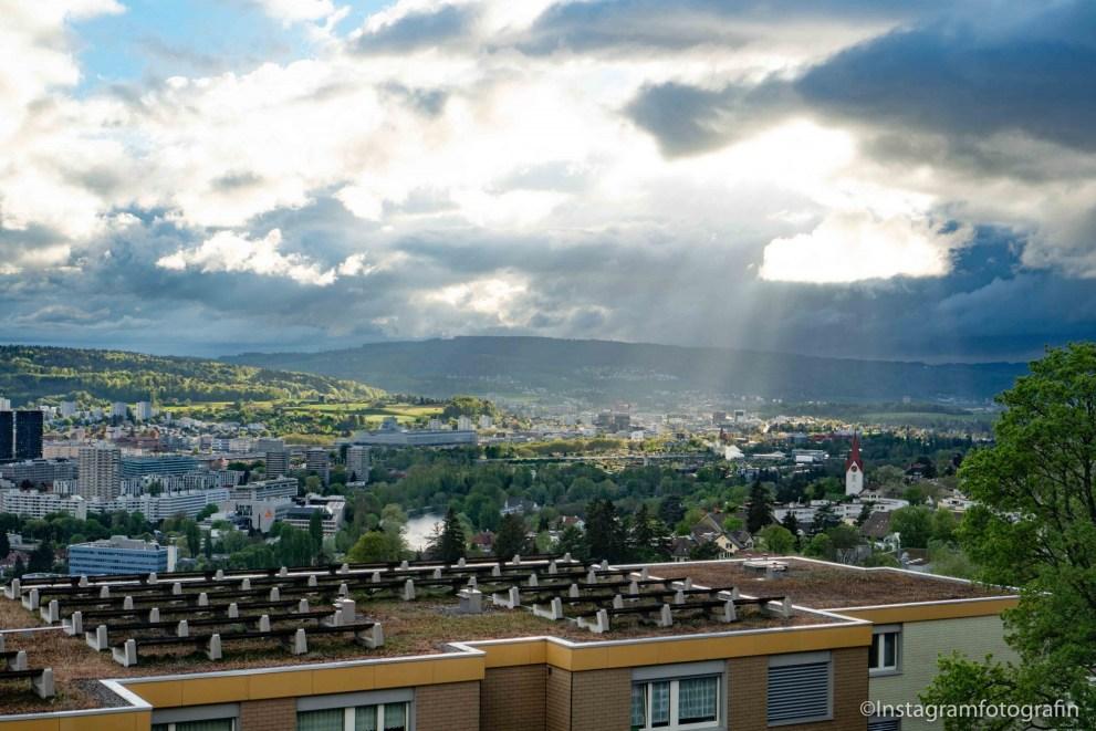 für kleines Geld in Zürich leben
