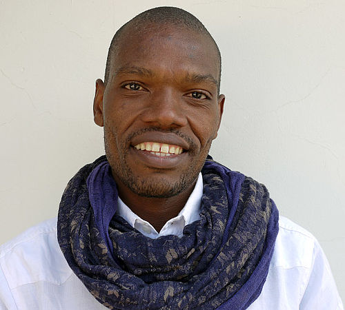 Afrikansk kunstner i Gellerup