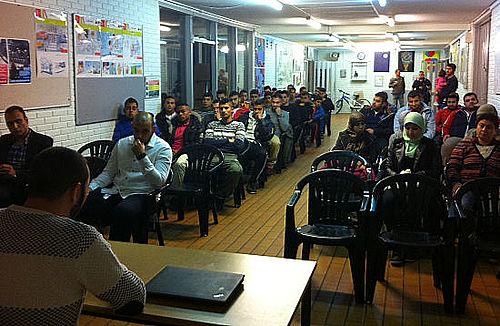 50 unge til møde om valget