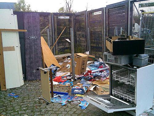 Firmaer dumper affald ulovligt i Gellerup