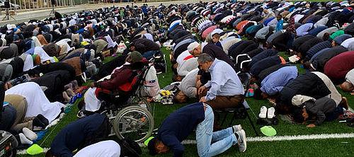 Eid-bøn efter en måneds faste
