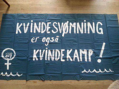 Kvindesvømmerne med i 8. marts-demo