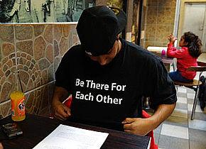 T-shirts skal give penge til gode formål