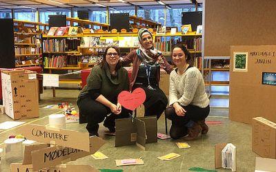 Kom og gå rundt i en papmodel af nyt bibliotek