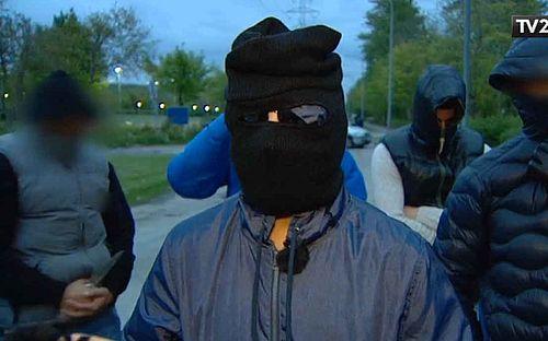 Maskerede Gellerup-unge på TV