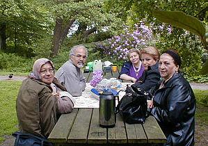 Nyt blad for persisktalende skal hindre isolation