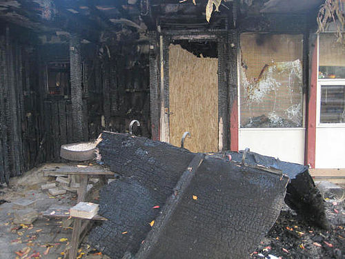 Brandstiftere og ballademagere skal helt væk