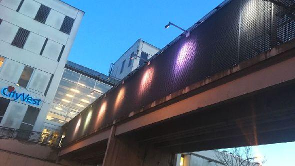 Regnbuelys over Gudrunsvej