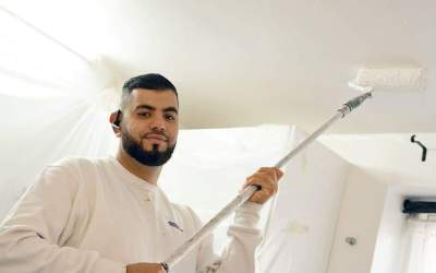 Ahmad fra Gellerup har stor succes med sit malerfirma