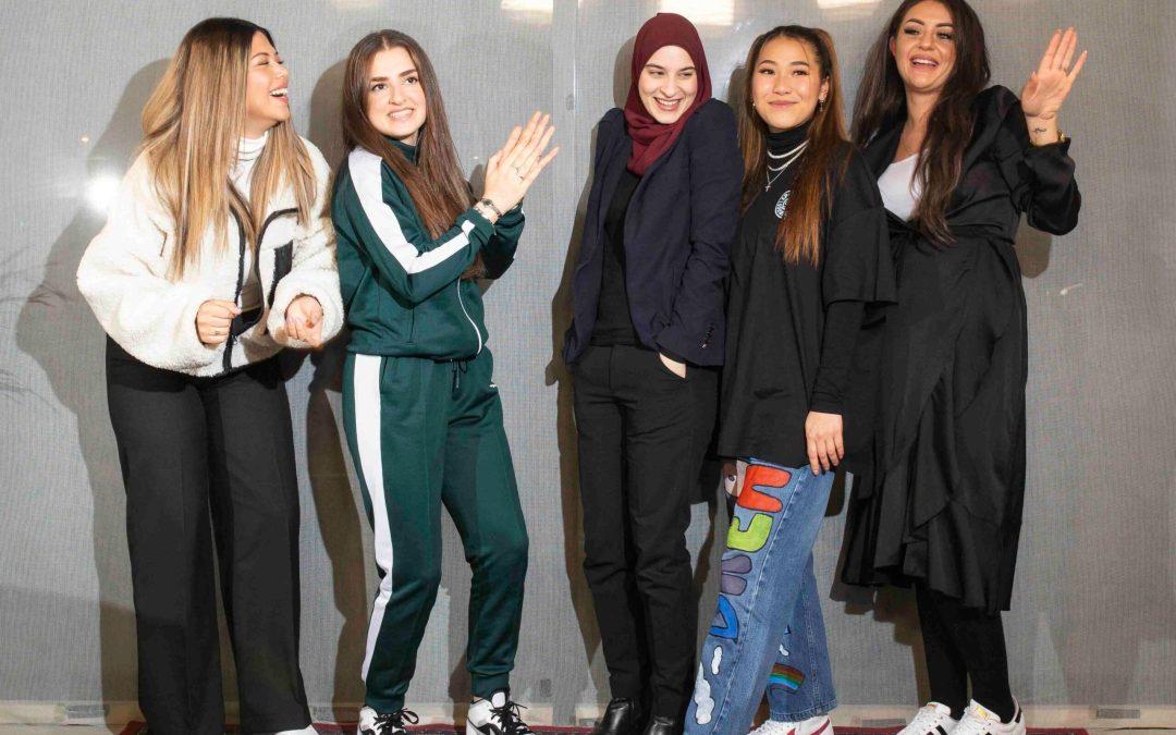 Unge kvinder fra Aarhus Vest laver podcasts om tabu-emner