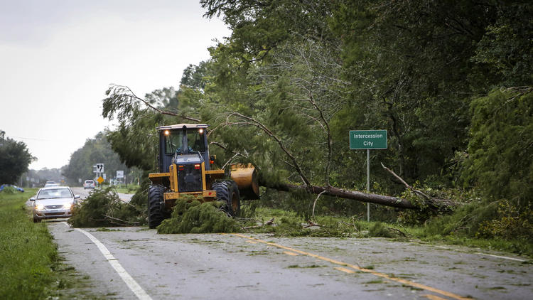 os-pictures-hurricane-irma-cleanup-in-orlando--030