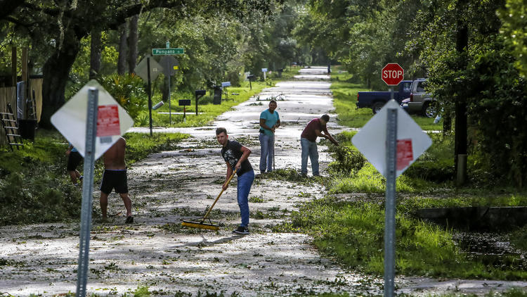 os-pictures-hurricane-irma-cleanup-in-orlando--032