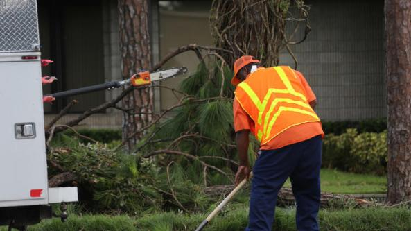 os-pictures-hurricane-irma-cleanup-in-orlando--083