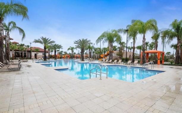 club-house-solterra-resort-pool-01