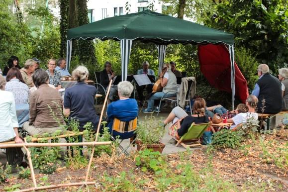 Live-Musik mit dem Ensemble einer unserer Gärtnerinnen