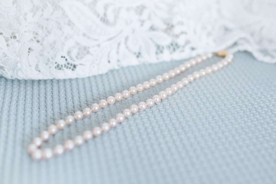 Wedding jewellery, mother of pearl necklace