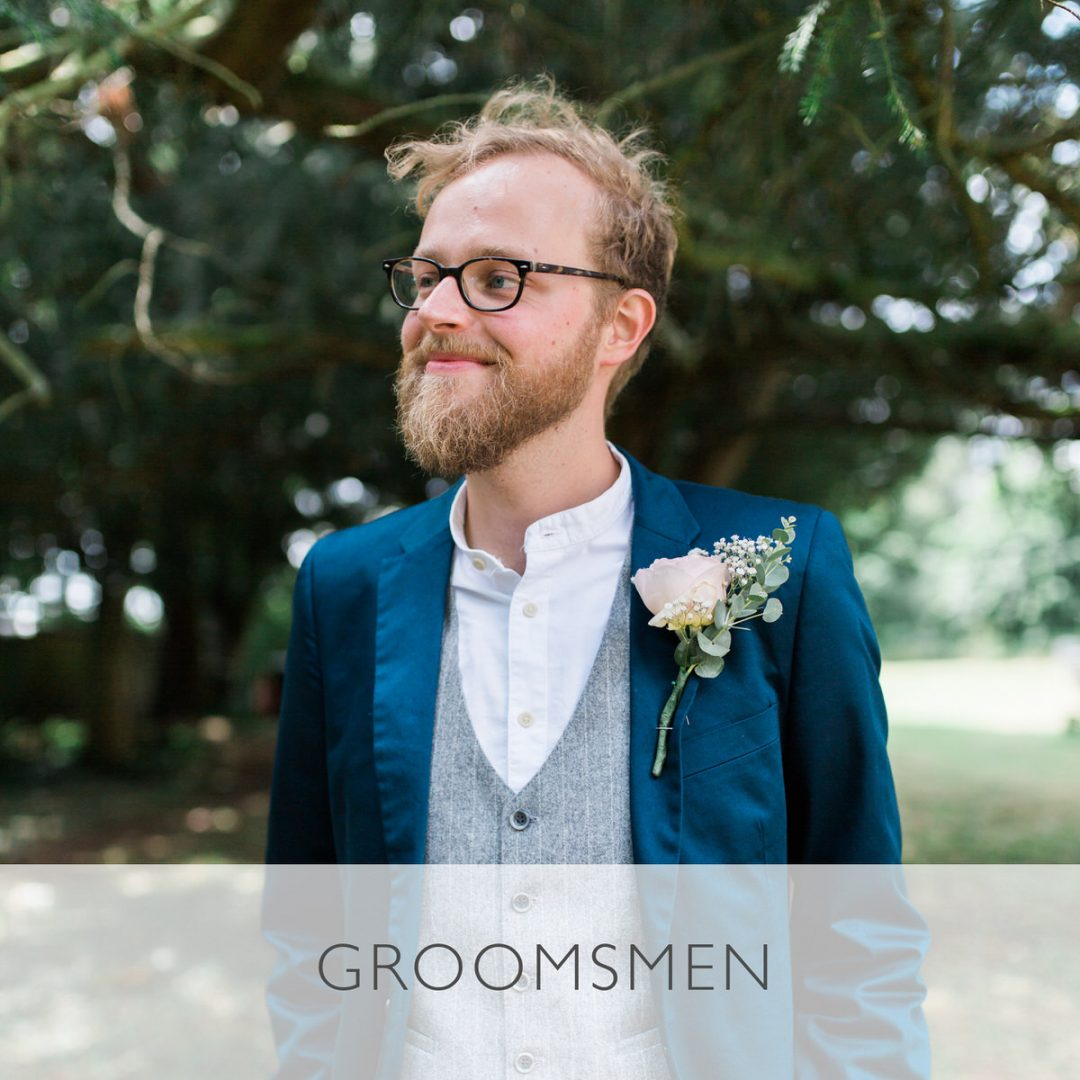 Sample wedding timeline, groomsmen photos