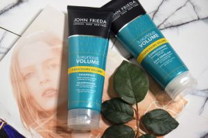 DSC 3286 1 - Is Your Hair Ready For The Winter? John Frieda Luxurious Volume Review