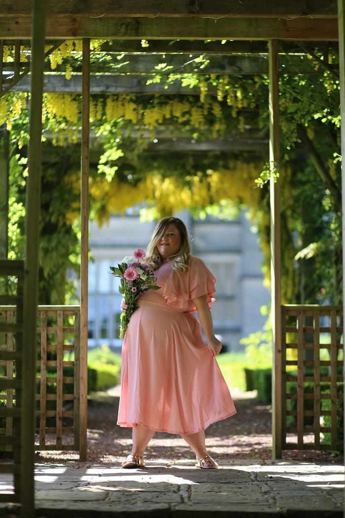 http://www.awin1.com/cread.php?awinaffid=314849&awinmid=5678&p=http%3A%2F%2Fwww.asos.com%2Fboohoo-plus%2Fboohoo-plus-angel-sleeve-midi-dress%2Fprd%2F9714349%3FCTARef%3DSaved%2520Items%2520Image wedding