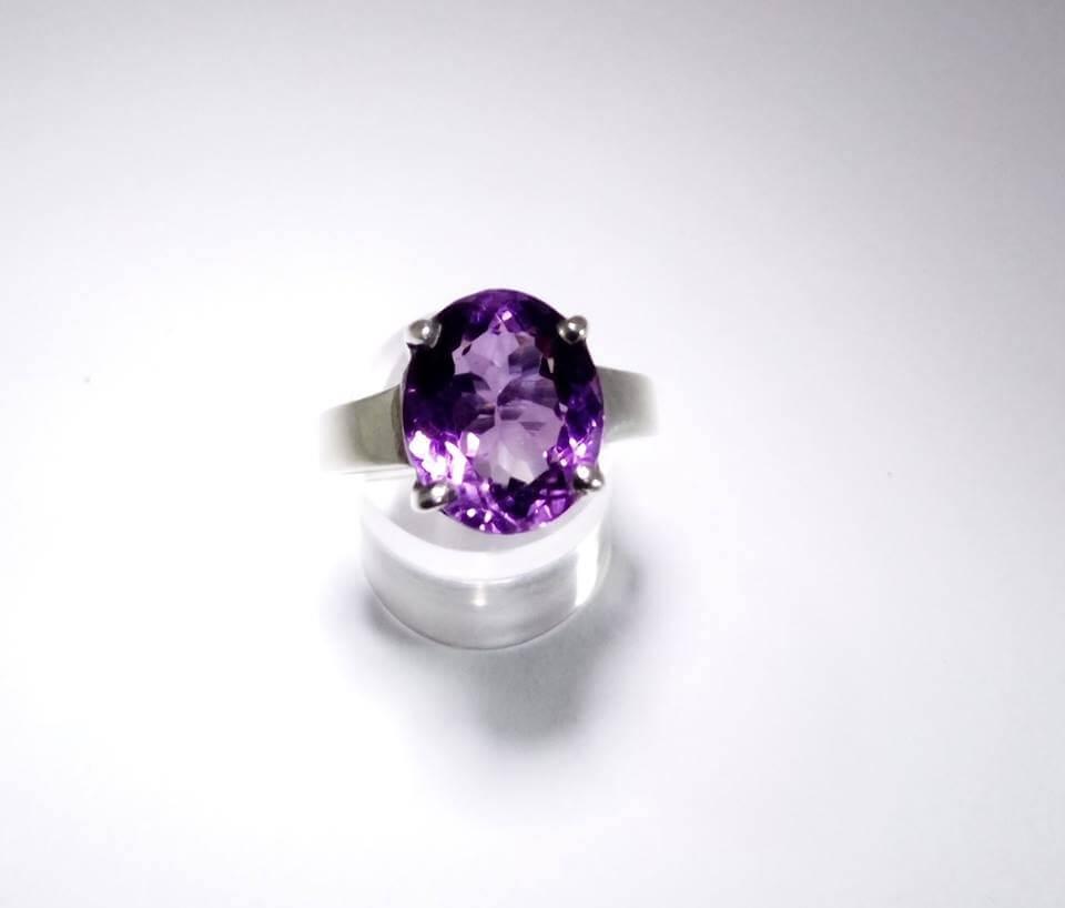 Natural Amethyst - পদ্মনীলা - Gems Jewellers & Gems Stone
