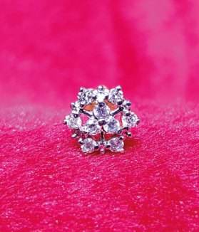Diamond Nosepin - Gems Jewellers & Gems Stone 01