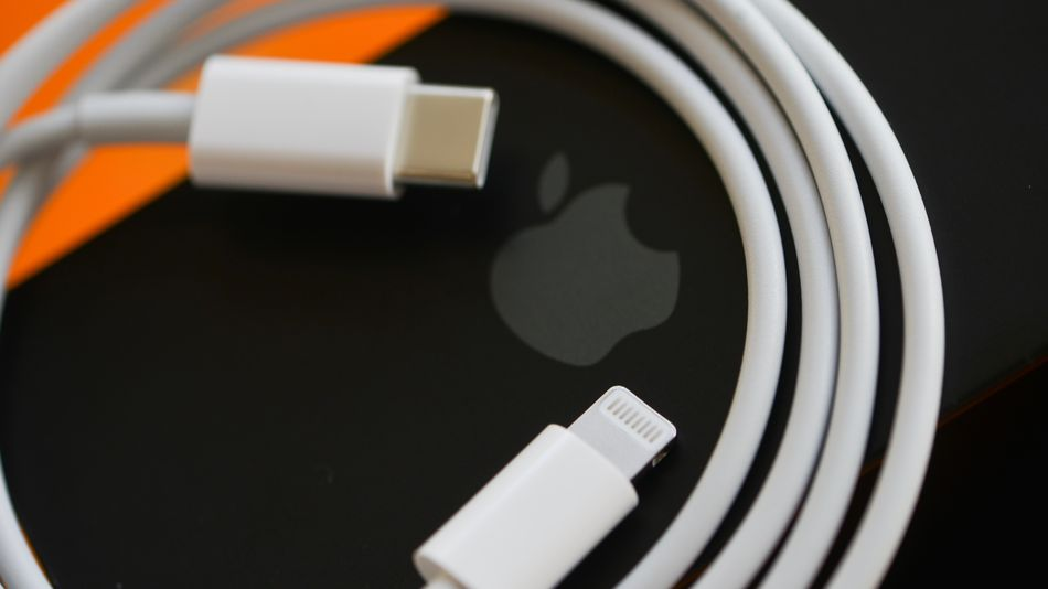 apple-faces-$2-million-fine-in-brazil-for-ditching-chargers-with-iphone-12