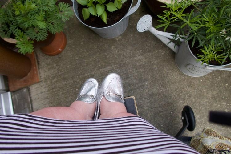 gem's feet and wheel