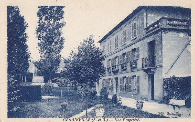 cartes postales anciennes maison du village