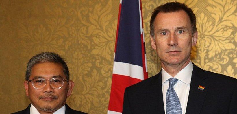 Външните министри на Бруней и Великобритания