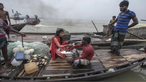 Fishers-sharing-various-challenges-during-natural-disaster.