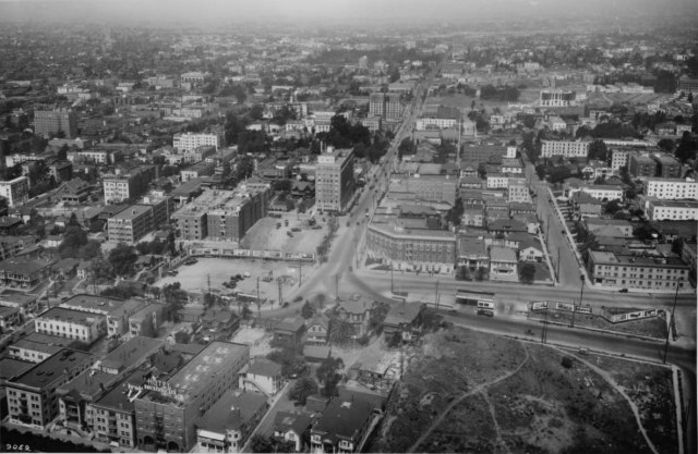 Birdseye view of Los Angeles, looking west down Fifth Street and Sixth Street from Fremont Avenue, ca.1925