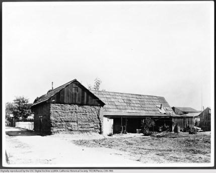Unidentified adobe, Los Angeles, 1900