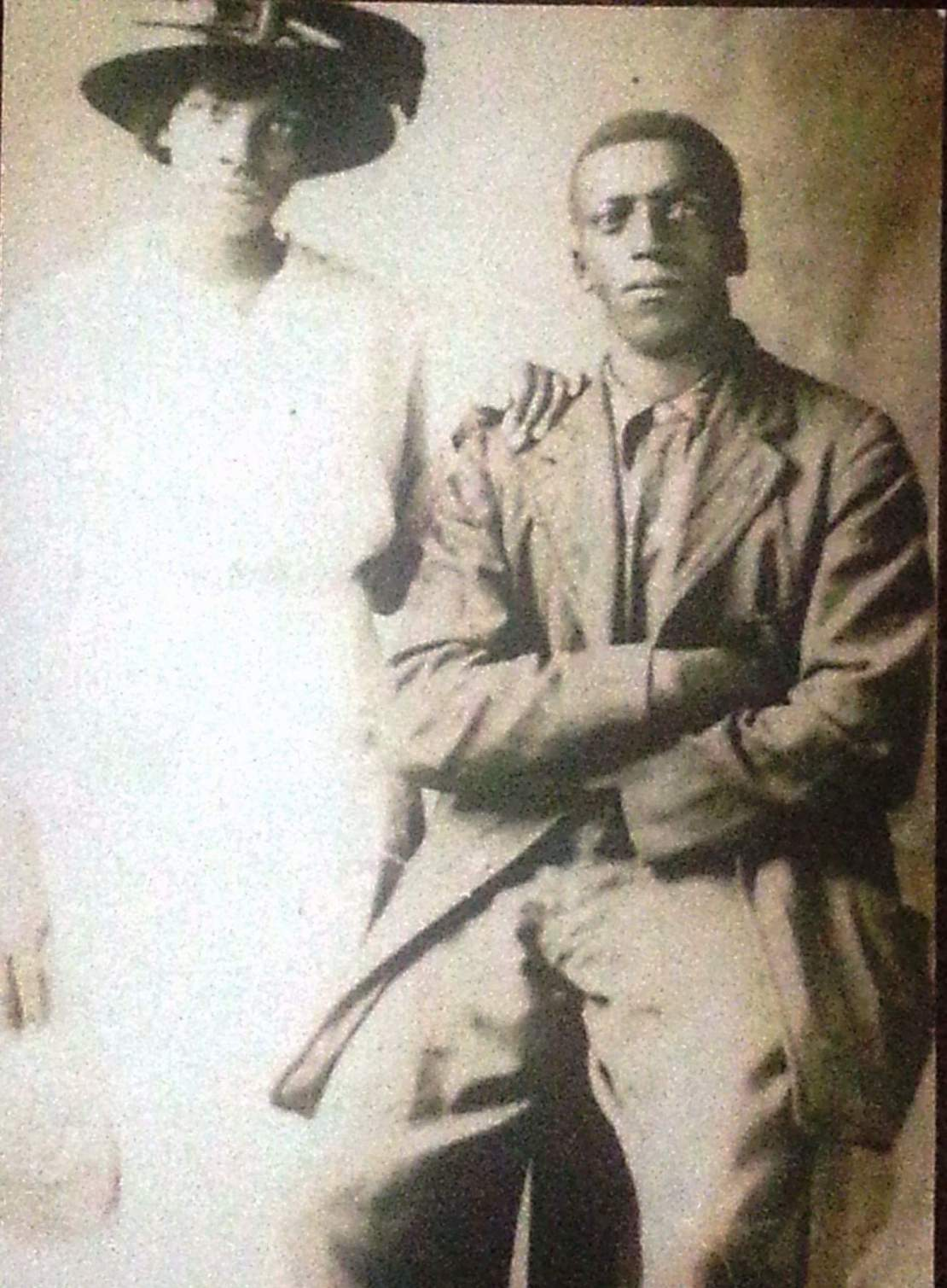 """picture of WWI veteran Raymond Arthur Byrd with his wife, Tennesse """"Tennie"""" Hawkins. Image courtesy of Anthony Q."""