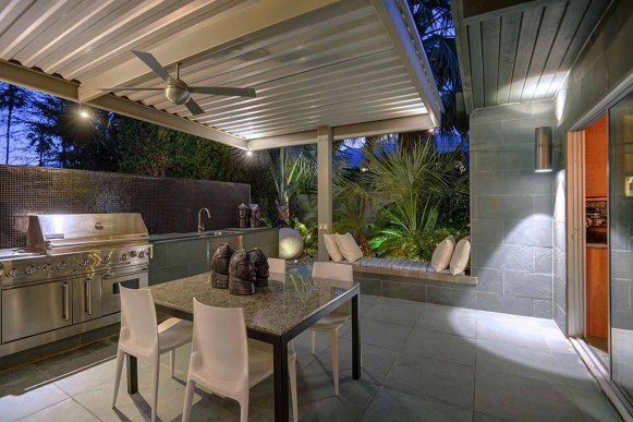 COVERED PATIO TO BBQ RS