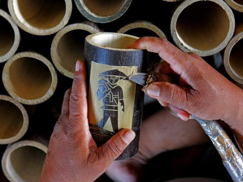 kerajinan bahan keras dari bambu
