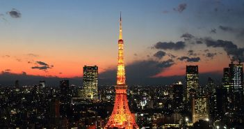 800px-Tokyo_Tower_Afterglow_2