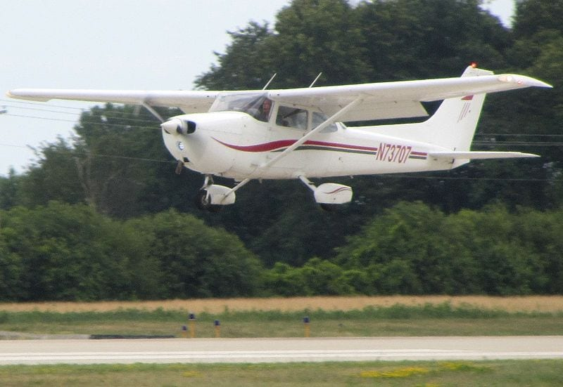 """Cessna 172N. """"Cessna172N"""" by FlugKerl2 - Own work. Licensed under CC BY-SA 3.0 via Wikimedia Commons - http://commons.wikimedia.org/wiki/File:Cessna172N.jpg#mediaviewer/File:Cessna172N.jpg"""