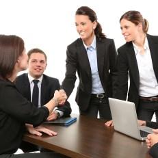 Activitats administratives en relació amb el client