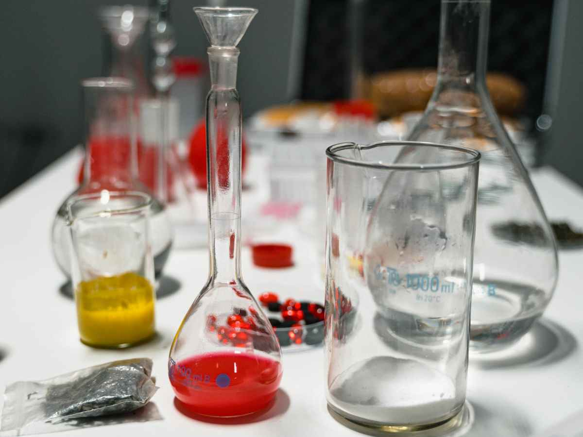 laboratory glasswares on the table