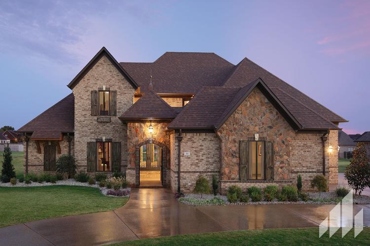Stonefield-Trailhead-Home