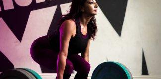 Aneela Rose powerlifting