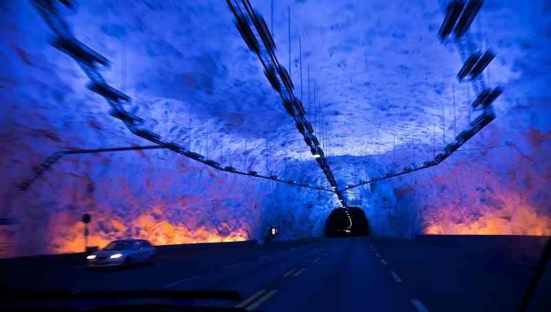 """Résultat de recherche d'images pour """"La Chine creuse le tunnel de métro sous-marin le plus profond du monde"""""""