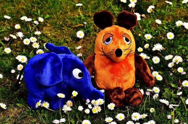 https://pixabay.com/en/mouse-elephant-soft-toy-teddy-bear-2230920/