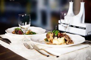 restaurant-646678_640