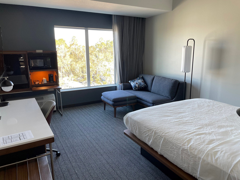 Courtyard-by-Marriott-Pensacola-West-Guest-rooms