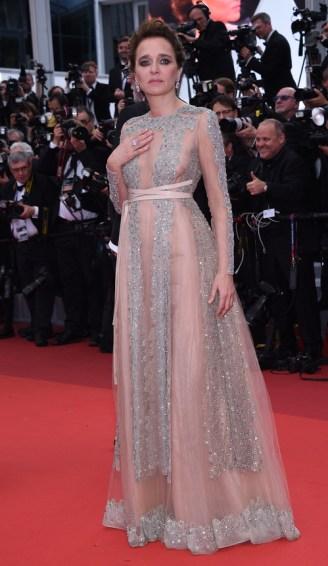 Valeria Golino en robe Valentino de la collection automne-hiver 2016-2017 et bijoux Chopard